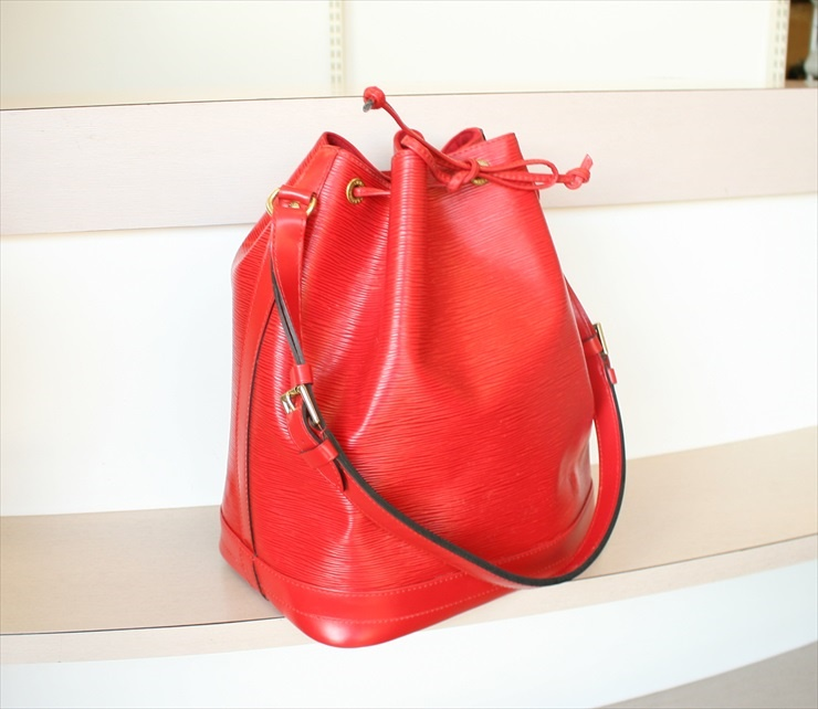 LOUIS VUITTON NOE Epi Red