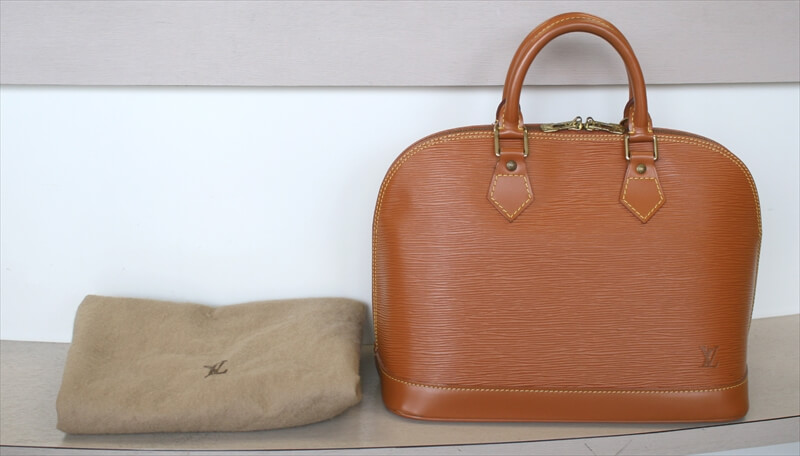 LOUIS VUITTON ALMA Epi Brown Handbag