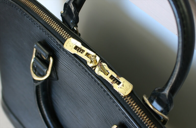 LOUIS VUITTON ALMA Epi Black Noir Handbag