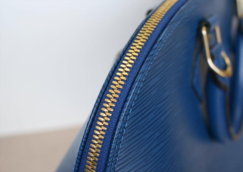 LOUIS VUITTON ALMA Epi Blue Handbag