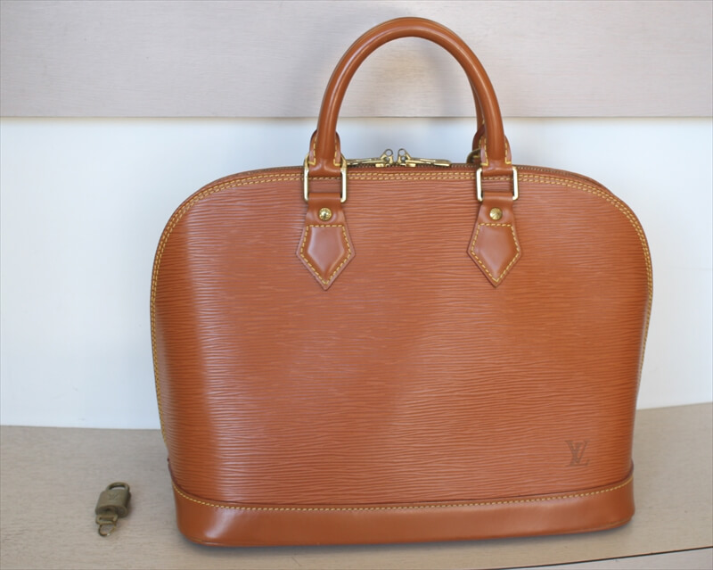 OUIS VUITTON ALMA Epi Brown