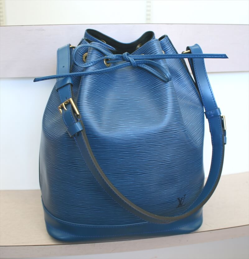 LOUIS VUITTON NOE EPI Blue Shoulder Bag