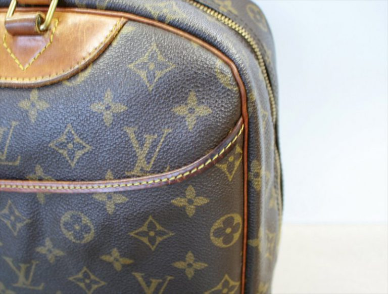 LOUIS VUITTON DEAUVILLE Monogram